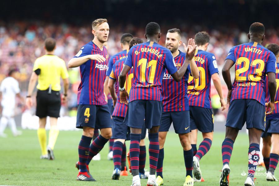 صور مباراة : برشلونة - هويسكا 8-2 ( 02-09-2018 )  W_900x700_02194402_b3z2827