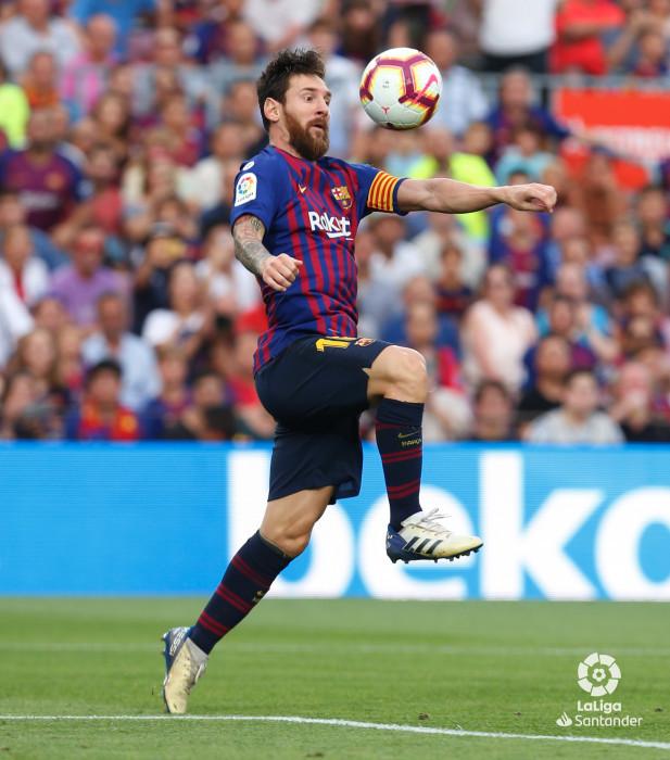صور مباراة : برشلونة - هويسكا 8-2 ( 02-09-2018 )  W_900x700_02194539_b3z2755