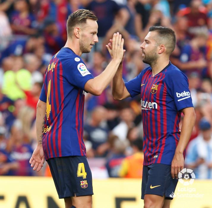 صور مباراة : برشلونة - هويسكا 8-2 ( 02-09-2018 )  W_900x700_02195100_b3z2890