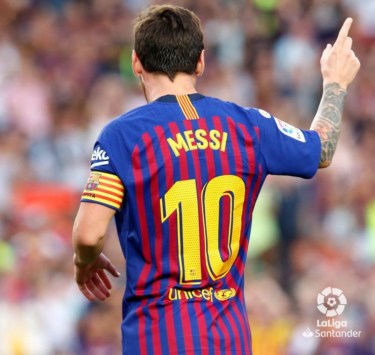 صور مباراة : برشلونة - هويسكا 8-2 ( 02-09-2018 )  W_900x700_02195441_b3z2953