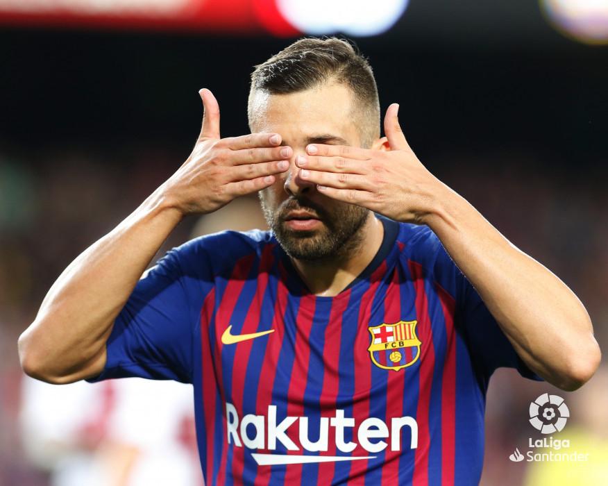 صور مباراة : برشلونة - هويسكا 8-2 ( 02-09-2018 )  W_900x700_02201256_b3z3054