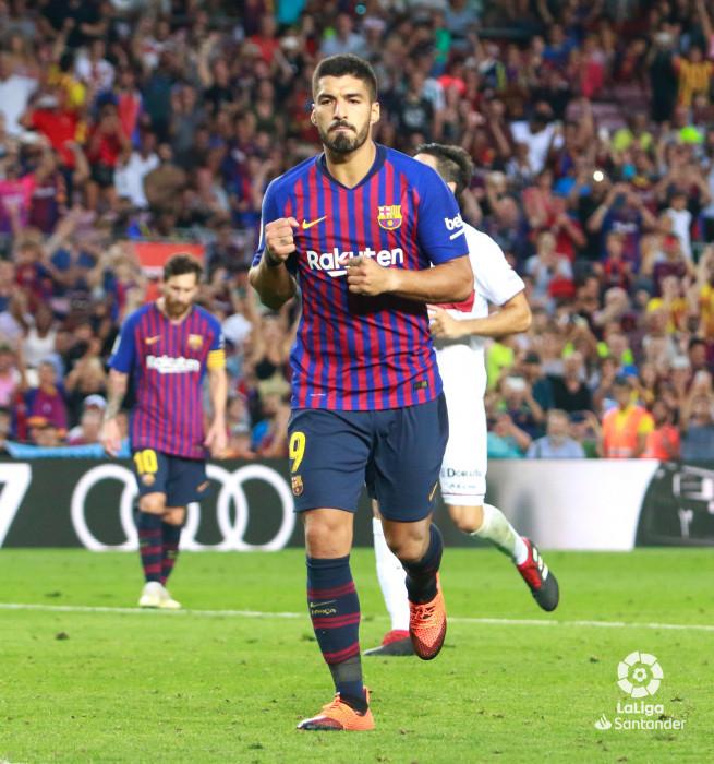 صور مباراة : برشلونة - هويسكا 8-2 ( 02-09-2018 )  W_900x700_02202406_q3a6983