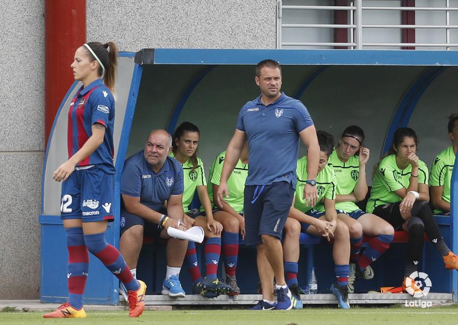 Kino, entrenador del Levante (Foto: LaLiga).