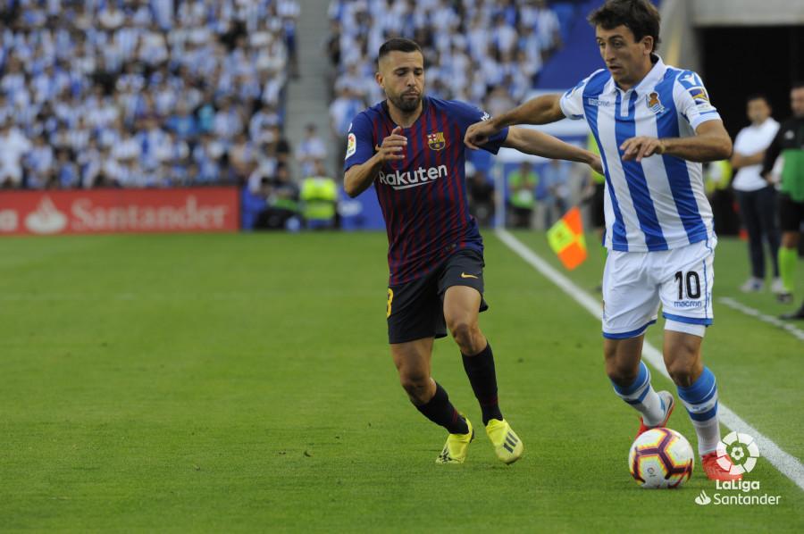 صور مباراة : ريال سوسيداد - برشلونة 1-2 ( 15-09-2018 ) W_900x700_1516422015