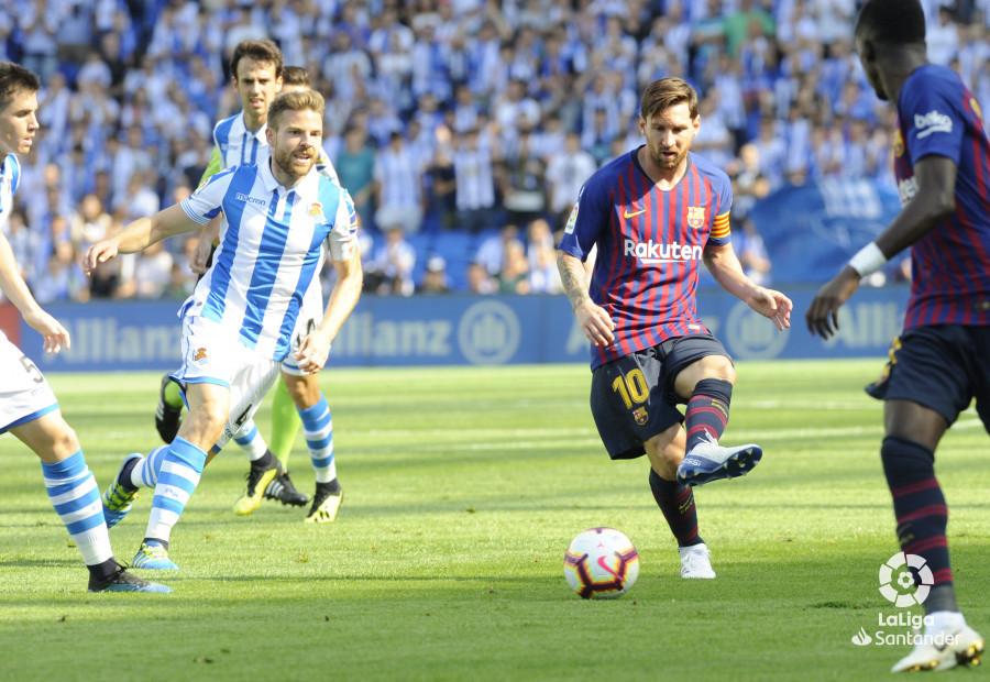 صور مباراة : ريال سوسيداد - برشلونة 1-2 ( 15-09-2018 ) W_900x700_1516502016