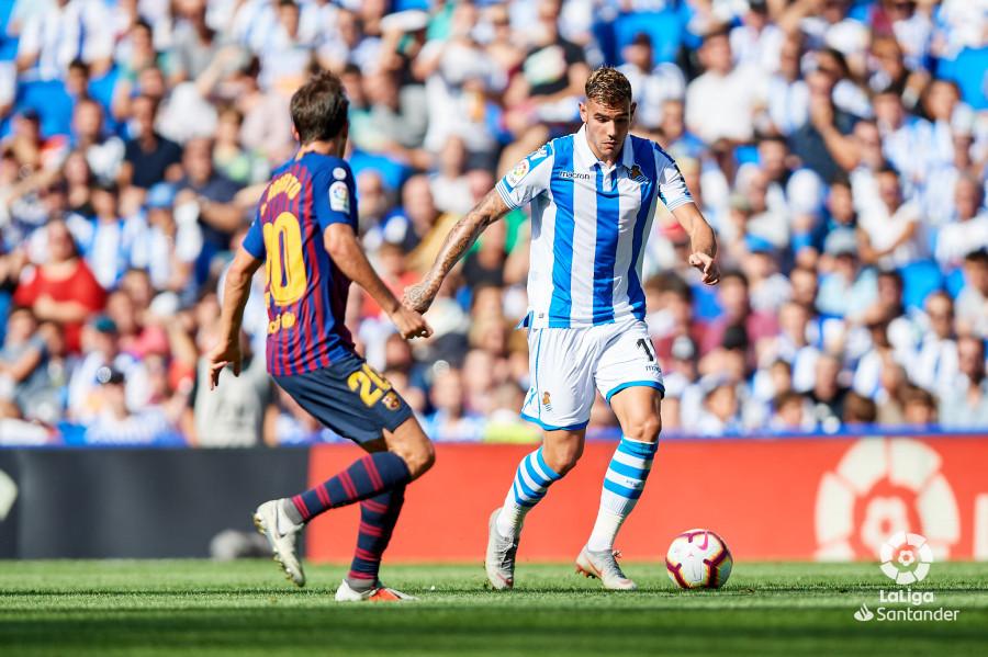 صور مباراة : ريال سوسيداد - برشلونة 1-2 ( 15-09-2018 ) W_900x700_15170917d50_6931
