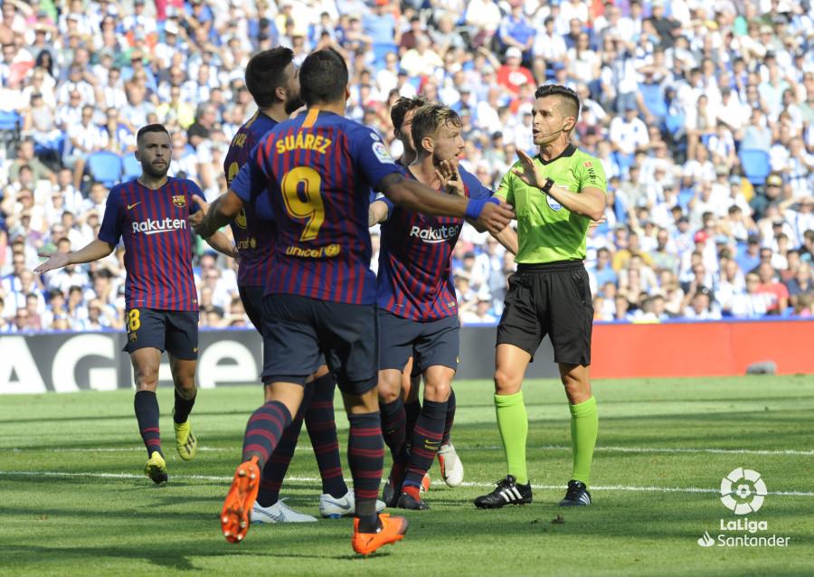 صور مباراة : ريال سوسيداد - برشلونة 1-2 ( 15-09-2018 ) W_900x700_1517191421
