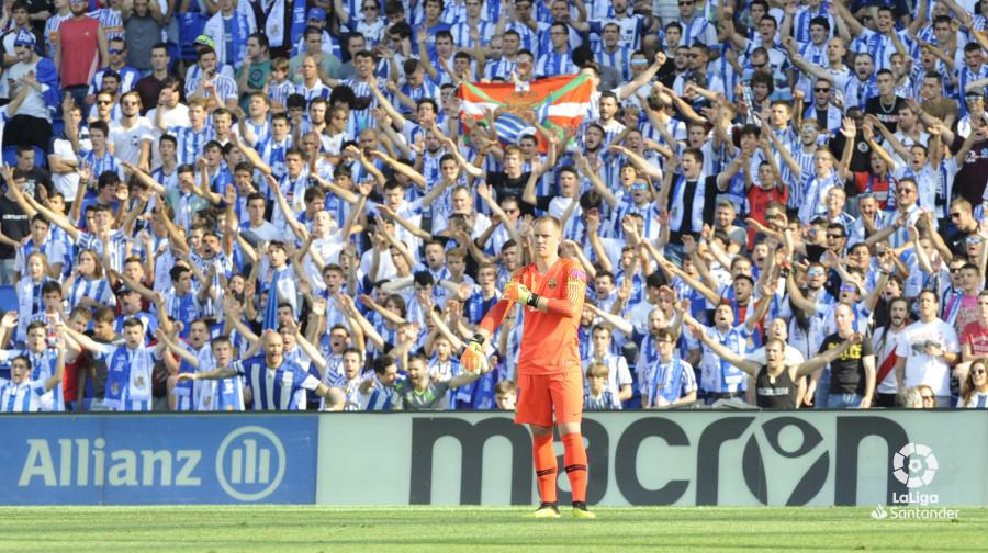 صور مباراة : ريال سوسيداد - برشلونة 1-2 ( 15-09-2018 ) W_900x700_1517192625