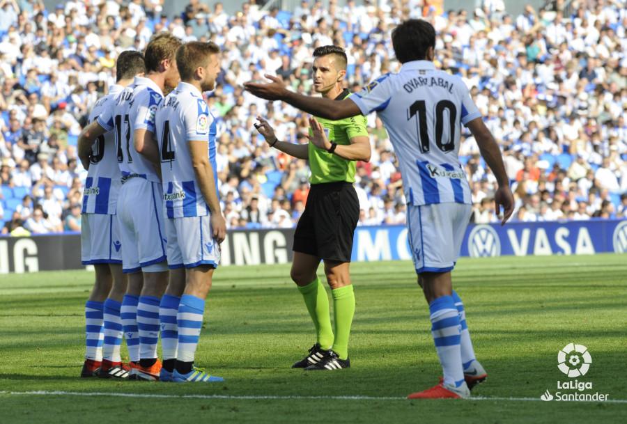 صور مباراة : ريال سوسيداد - برشلونة 1-2 ( 15-09-2018 ) W_900x700_1517192926