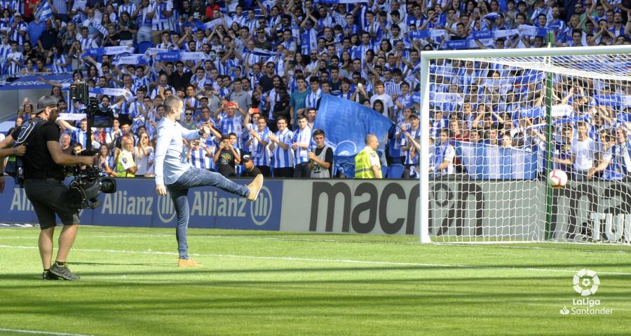 صور مباراة : ريال سوسيداد - برشلونة 1-2 ( 15-09-2018 ) W_900x700_1517284843