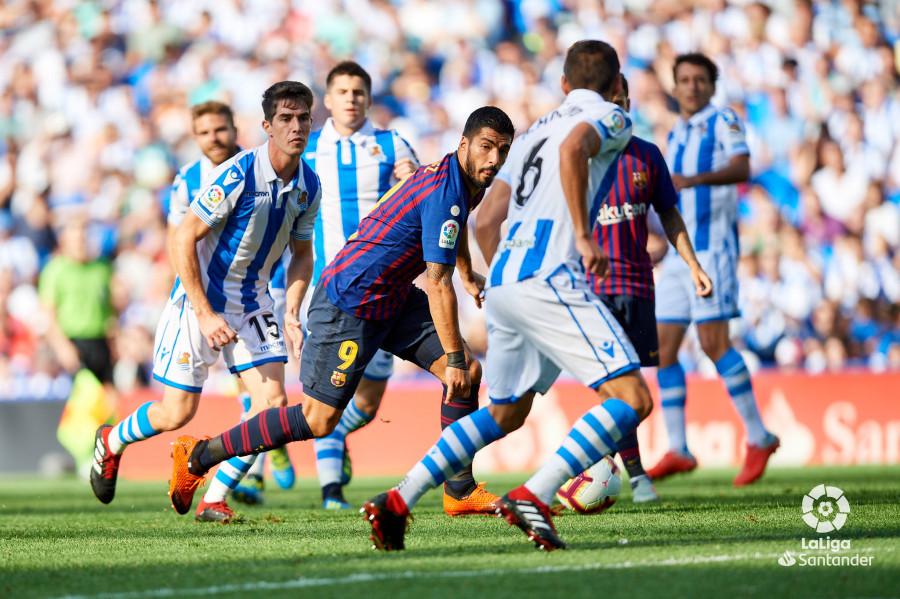 صور مباراة : ريال سوسيداد - برشلونة 1-2 ( 15-09-2018 ) W_900x700_15173750d50_7034