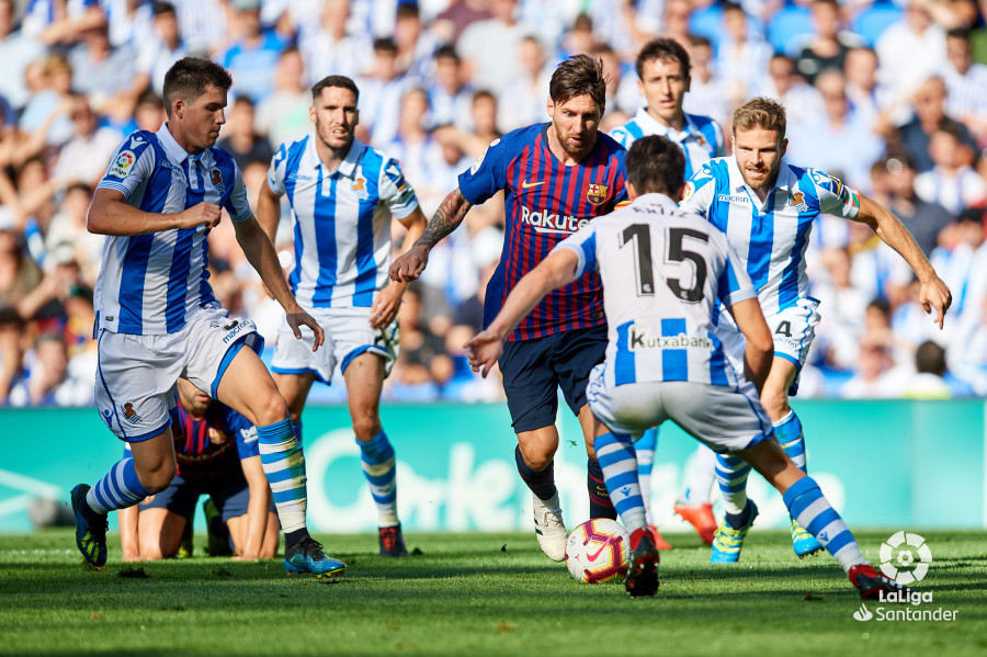 صور مباراة : ريال سوسيداد - برشلونة 1-2 ( 15-09-2018 ) W_900x700_15173755d50_7058