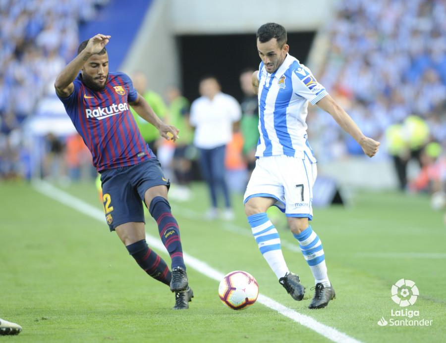 صور مباراة : ريال سوسيداد - برشلونة 1-2 ( 15-09-2018 ) W_900x700_1517505365