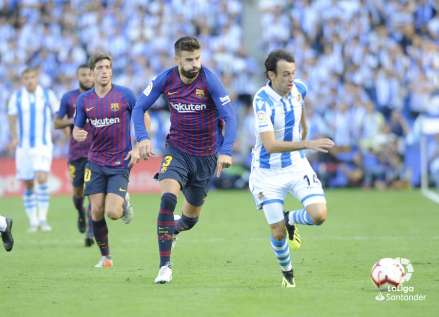 صور مباراة : ريال سوسيداد - برشلونة 1-2 ( 15-09-2018 ) W_900x700_1517505666