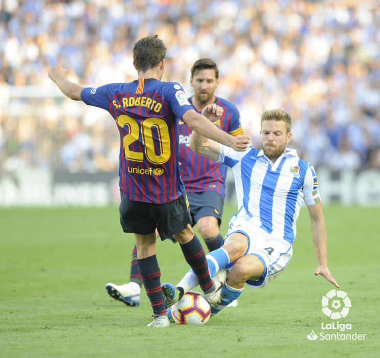 صور مباراة : ريال سوسيداد - برشلونة 1-2 ( 15-09-2018 ) W_900x700_1518112086