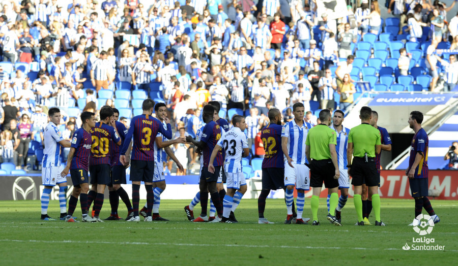 صور مباراة : ريال سوسيداد - برشلونة 1-2 ( 15-09-2018 ) W_900x700_1518181294