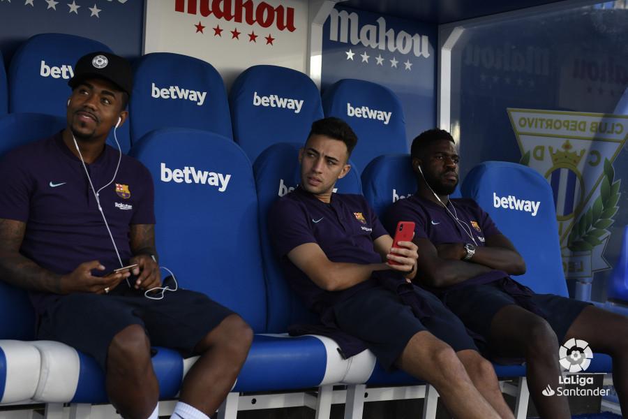 صور مباراة : ليغانيس - برشلونة 2-1 ( 26-09-2018 ) W_900x700_26184612_rap1621