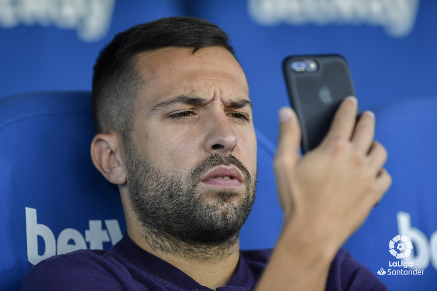 صور مباراة : ليغانيس - برشلونة 2-1 ( 26-09-2018 ) W_900x700_26184628_apa8189