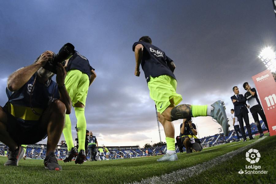 صور مباراة : ليغانيس - برشلونة 2-1 ( 26-09-2018 ) W_900x700_26194223_rap1665