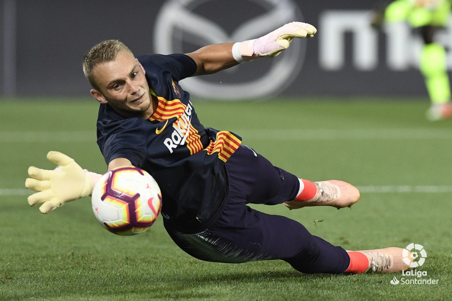 صور مباراة : ليغانيس - برشلونة 2-1 ( 26-09-2018 ) W_900x700_26195028_apa8212