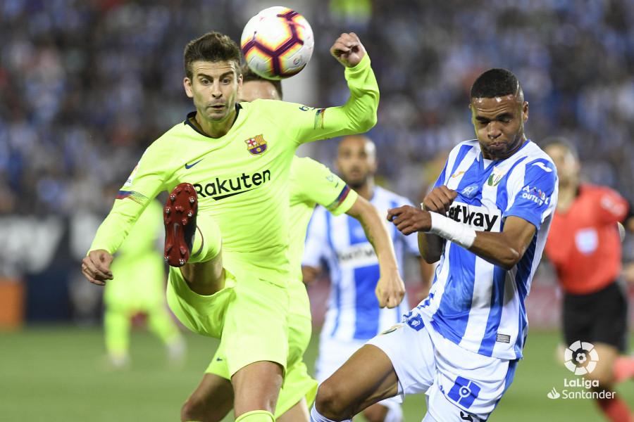 صور مباراة : ليغانيس - برشلونة 2-1 ( 26-09-2018 ) W_900x700_26204828_apa8426