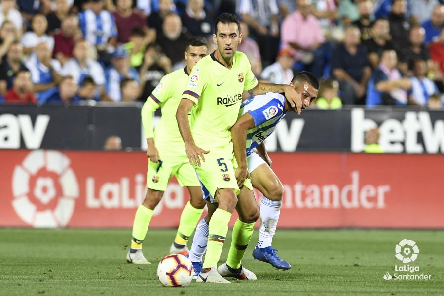 صور مباراة : ليغانيس - برشلونة 2-1 ( 26-09-2018 ) W_900x700_26204916_apa8467