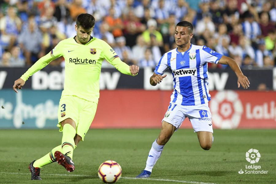 صور مباراة : ليغانيس - برشلونة 2-1 ( 26-09-2018 ) W_900x700_26204919_apa8472