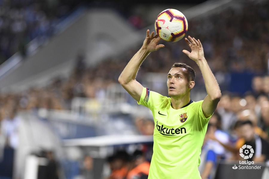 صور مباراة : ليغانيس - برشلونة 2-1 ( 26-09-2018 ) W_900x700_26211428_apa8513