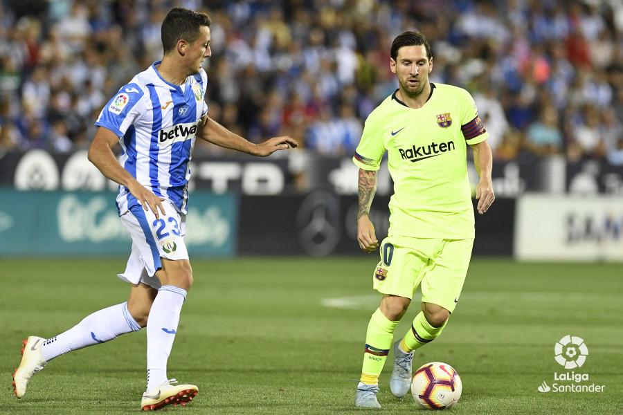 صور مباراة : ليغانيس - برشلونة 2-1 ( 26-09-2018 ) W_900x700_26211451_apa8533