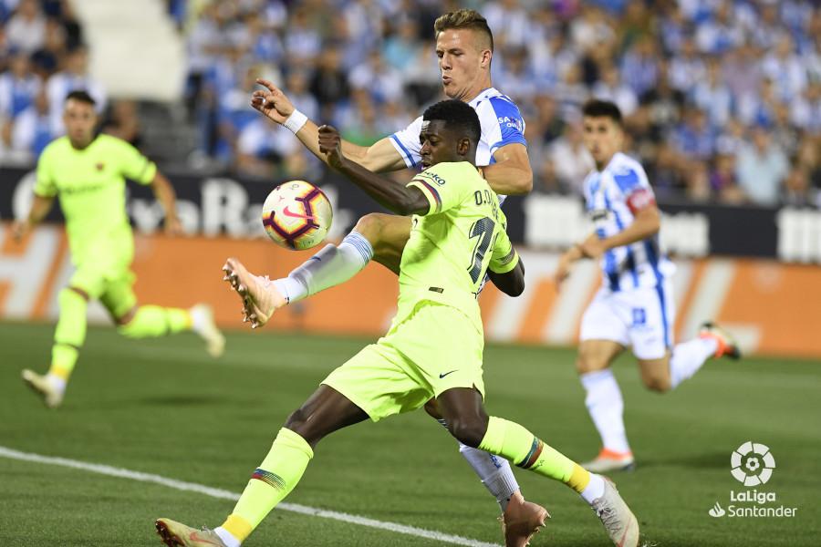 صور مباراة : ليغانيس - برشلونة 2-1 ( 26-09-2018 ) W_900x700_26211458_apa8595