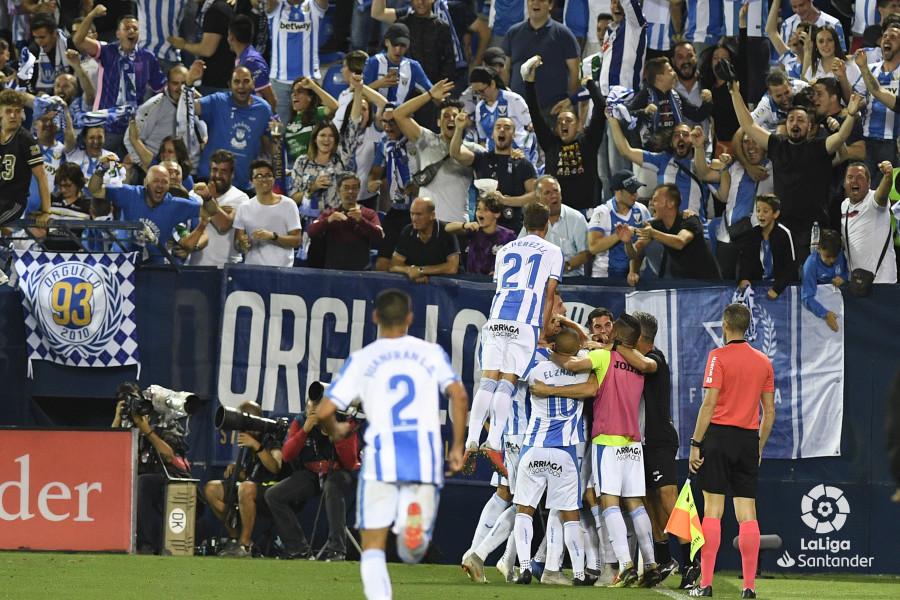 صور مباراة : ليغانيس - برشلونة 2-1 ( 26-09-2018 ) W_900x700_26211514_apa8687