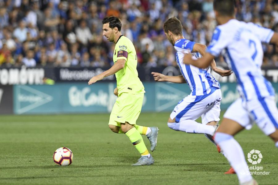 صور مباراة : ليغانيس - برشلونة 2-1 ( 26-09-2018 ) W_900x700_26212925_apa8768
