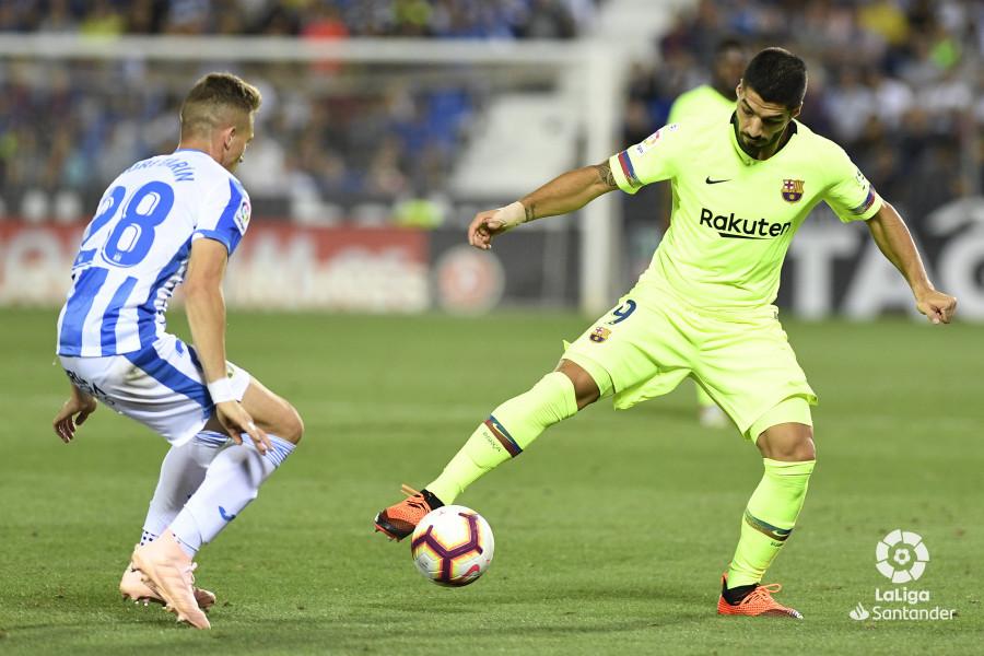 صور مباراة : ليغانيس - برشلونة 2-1 ( 26-09-2018 ) W_900x700_26212942_apa8822