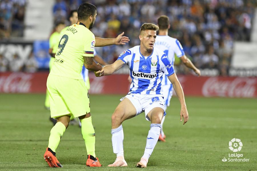 صور مباراة : ليغانيس - برشلونة 2-1 ( 26-09-2018 ) W_900x700_26214036_apa8926