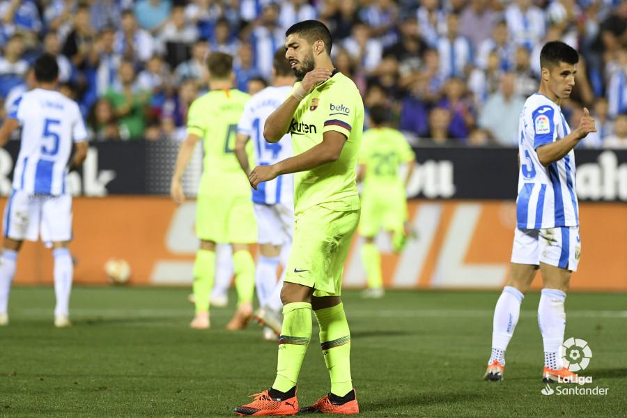 صور مباراة : ليغانيس - برشلونة 2-1 ( 26-09-2018 ) W_900x700_26215718_apa8974