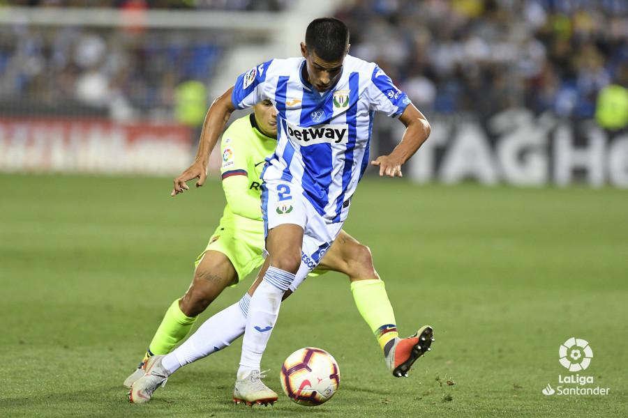 صور مباراة : ليغانيس - برشلونة 2-1 ( 26-09-2018 ) W_900x700_26215722_apa8979
