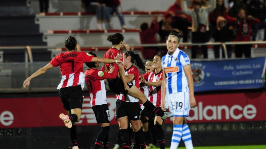 El Athletic remonta y se lleva el derbi vasco de la Liga Iberdrola