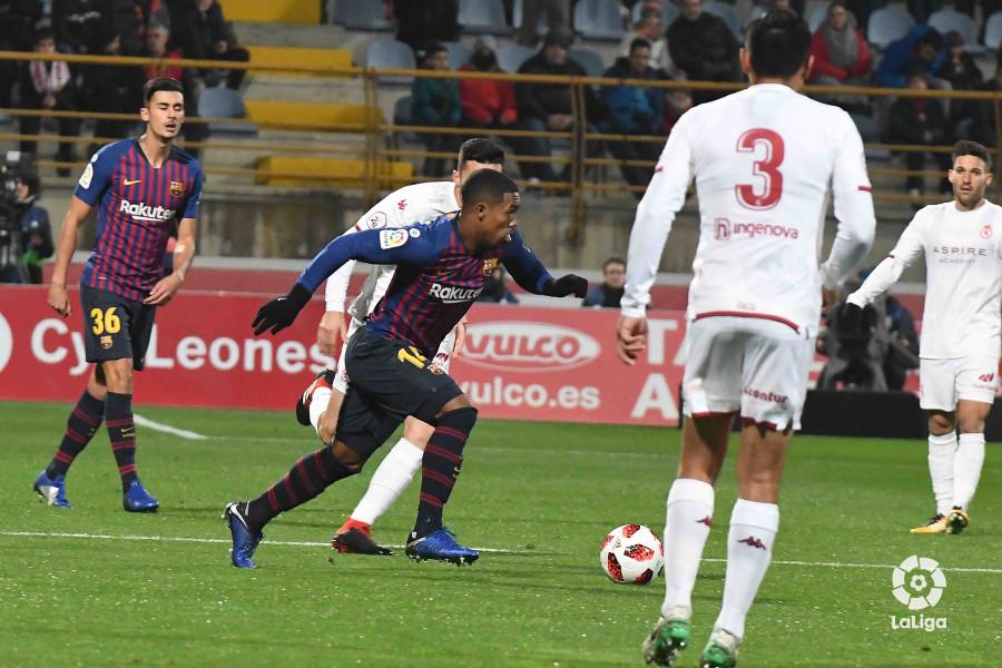 صور مباراة : كولتورال ليونيسا - برشلونة 0-1 ( 31-10-2018 ) كأس ملك إسبانيا W_900x700_31215402len_3523