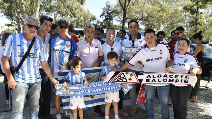 La Federación de Peñas del Málaga recibió a los peñistas del Albacete Balompié