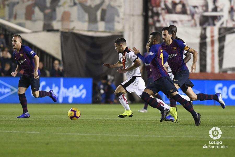 صور مباراة : رايو فاليكانو - برشلونة 2-3 ( 03-11-2018 )  W_900x700_03205742_apa2537