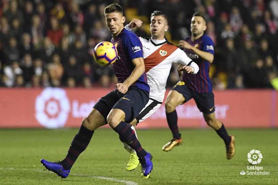صور مباراة : رايو فاليكانو - برشلونة 2-3 ( 03-11-2018 )  W_900x700_03210147_apa2579