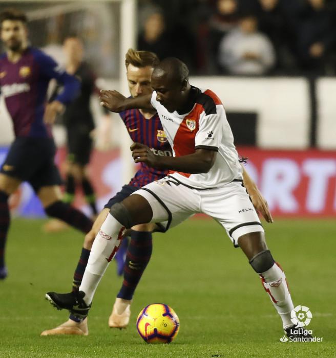 صور مباراة : رايو فاليكانو - برشلونة 2-3 ( 03-11-2018 )  W_900x700_03210625_pma6961