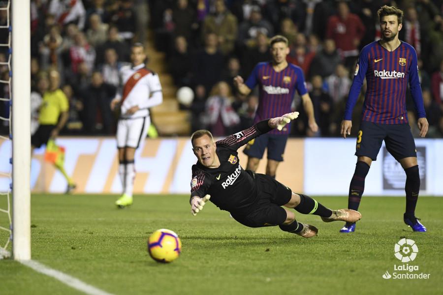 صور مباراة : رايو فاليكانو - برشلونة 2-3 ( 03-11-2018 )  W_900x700_03211959_apa2696