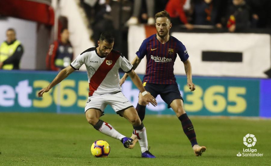 صور مباراة : رايو فاليكانو - برشلونة 2-3 ( 03-11-2018 )  W_900x700_03212503_pma6997
