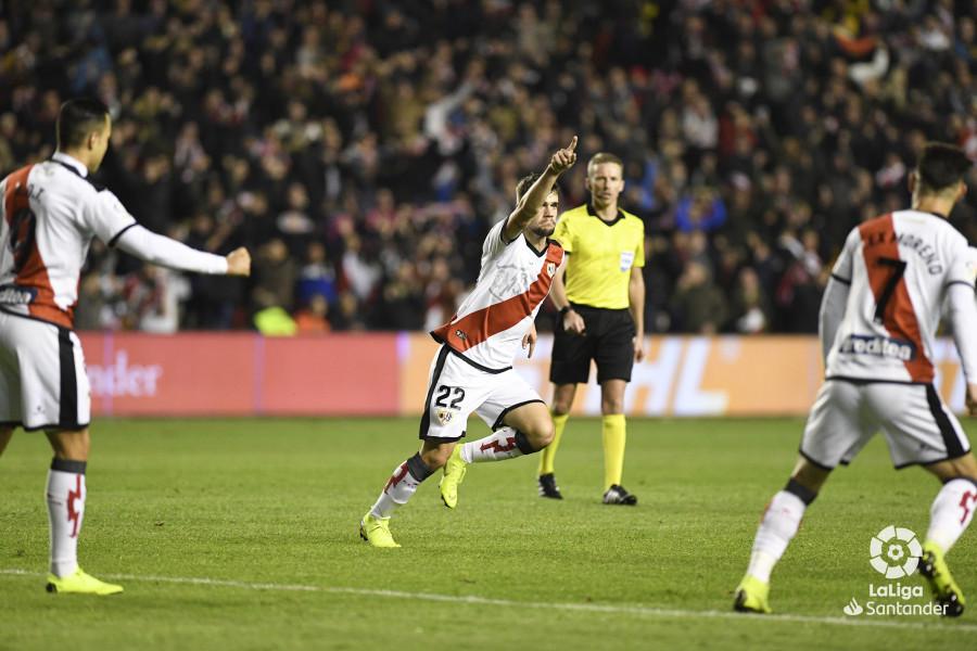 صور مباراة : رايو فاليكانو - برشلونة 2-3 ( 03-11-2018 )  W_900x700_03212542_apa2715