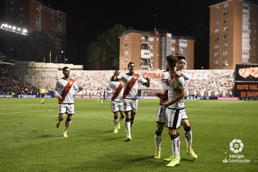 صور مباراة : رايو فاليكانو - برشلونة 2-3 ( 03-11-2018 )  W_900x700_03213743_rap6891
