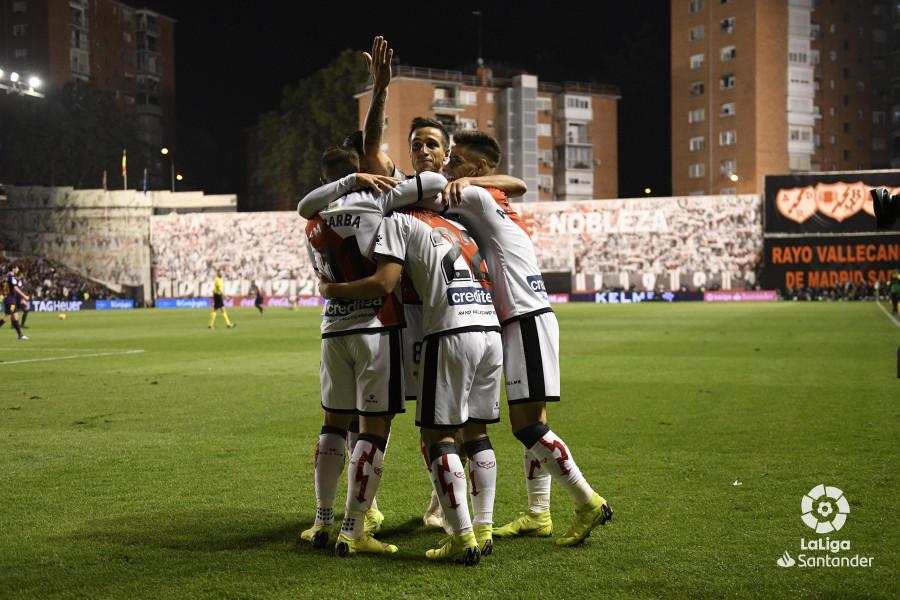 صور مباراة : رايو فاليكانو - برشلونة 2-3 ( 03-11-2018 )  W_900x700_03213751_rap6897