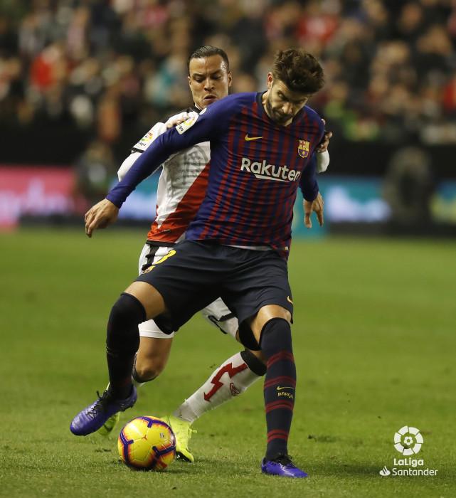 صور مباراة : رايو فاليكانو - برشلونة 2-3 ( 03-11-2018 )  W_900x700_03220211_pma7193