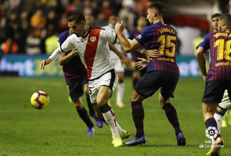 صور مباراة : رايو فاليكانو - برشلونة 2-3 ( 03-11-2018 )  W_900x700_03221834_pma7569