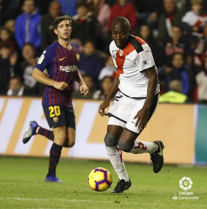 صور مباراة : رايو فاليكانو - برشلونة 2-3 ( 03-11-2018 )  W_900x700_03221850_pma7604
